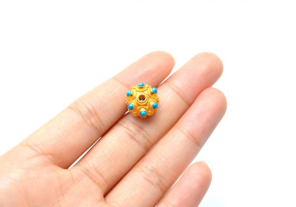 18K Solid Yellow Gold Wheel Shape 11.5X7.5 mm Bead With Stone.