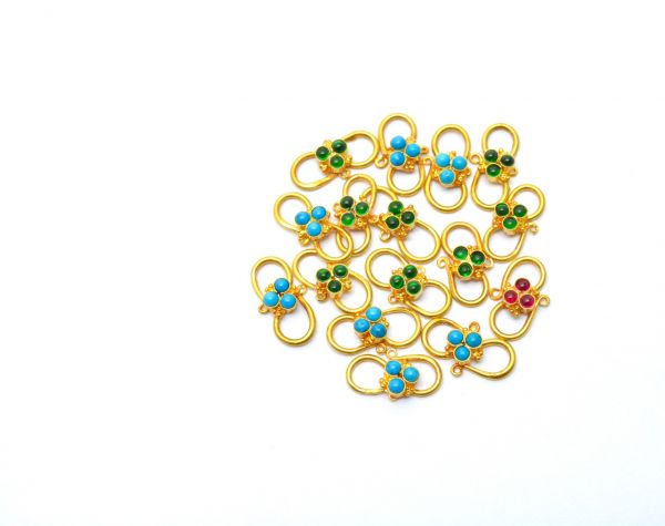 Beautiful 18k Solid Yellow Gold S-Clasp With Hydro Stones. Handmade And Very Lightweight 18k Gold S-Clasp. Sold By 1 pcs