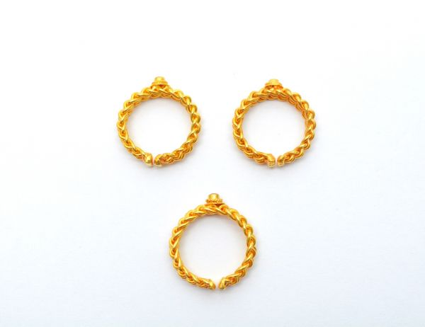 Handcrafted 18k Solid Yellow Gold Free Size Ring Studded With Hydro Stones. Beautiful Ring in 18k Solid Gold. Sold By 1pcs