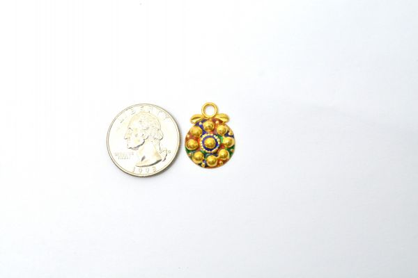 Gorgeous 18k Solid Yellow Gold Charms Pendent Studded with Stones. Amazingly handcrafted Charms in 18k Solid Gold