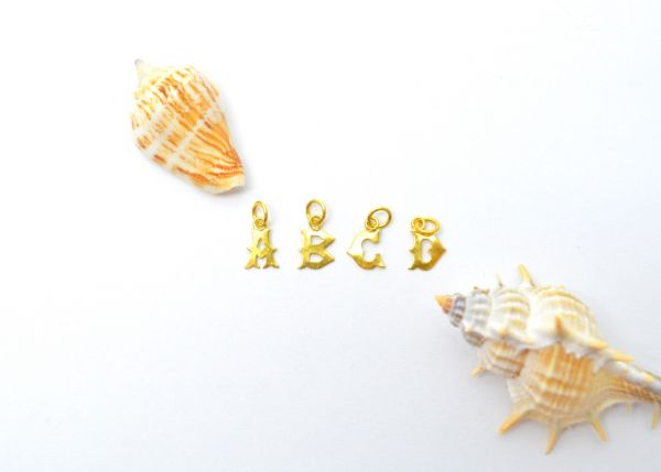 Beautiful 18k Solid Yellow Gold Aiphabet Beads in Fine Shiny Finish. Handmade 18k Gold Beads Perfect For Mala Necklace. Sold By 1 pcs